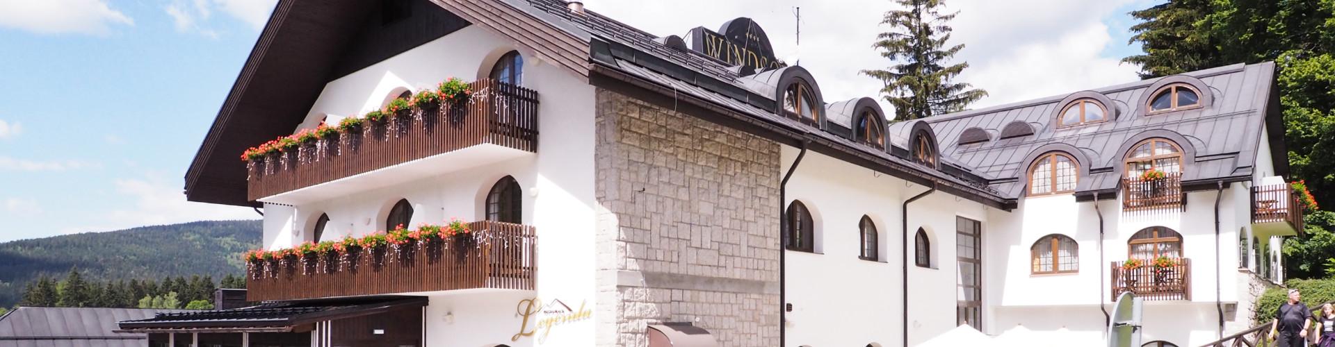 Skleněné stěny a příčky pro hotely